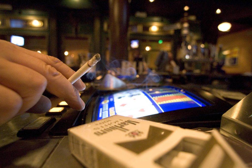 กฎใหม่แสดงให้เห็นว่าคาสิโนในเวกัสอาจห้ามสูบบุหรี่